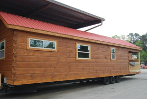 GUNSTOCK BROWN WITH RED ROOF standard